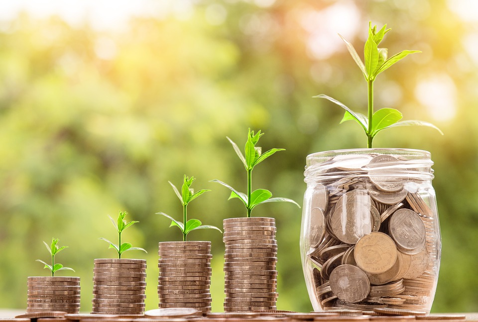 How Banks & Credit Unions can help their customers with personal finance & financial wellness